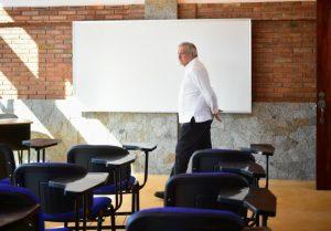 AMLO inaugura escuela pública de Medicina en Guerrero