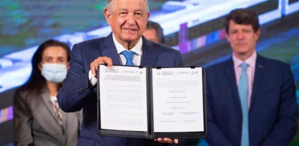 AMLO firma contrato de adquisición y construcción de vagones para el Tren Maya