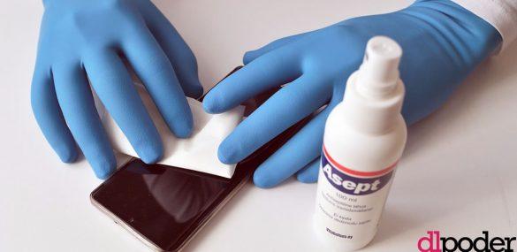 IMSS recomienda desinfectar celulares para evitar enfermedades